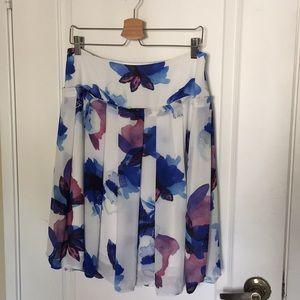 Banana Republic polyester knee length skirt